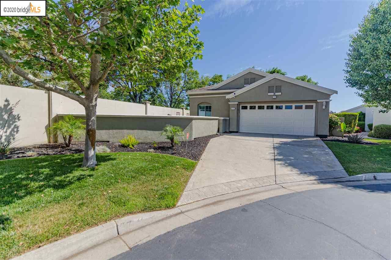 Photo of 442 Ruby Ter, BRENTWOOD, CA 94513 (MLS # 40904400)