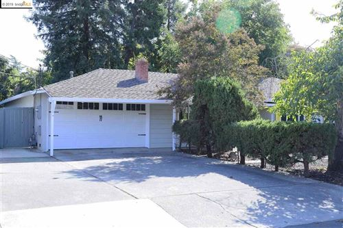 Photo of 1980 Gilardy Dr, CONCORD, CA 94518-3214 (MLS # 40886402)
