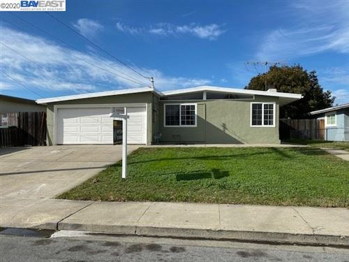 Photo of 5153 Dupont Ave, NEWARK, CA 94560 (MLS # 40893405)