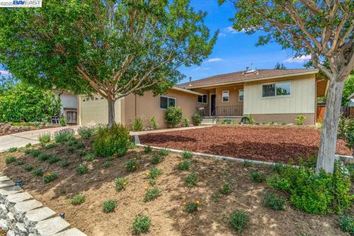Photo of 18396 Lake Chabot Rd, CASTRO VALLEY, CA 94546 (MLS # 40909405)