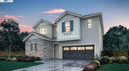 Photo of 39 Esmerelda Falls Terrace, FREMONT, CA 94539 (MLS # 40968406)