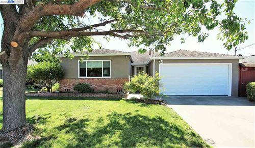 Photo of 1794 Via Rancho, SAN LORENZO, CA 94580 (MLS # 40922407)