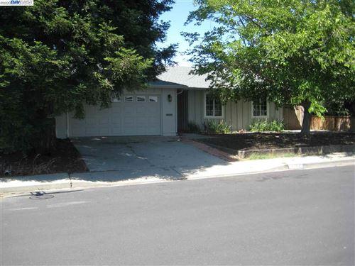 Photo of 1717 teakwood, MARTINEZ, CA 94553-4820 (MLS # 40902408)