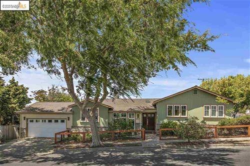 Photo of 6927 Waldo Ave, EL CERRITO, CA 94530 (MLS # 40914408)