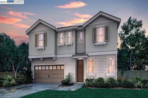 Photo of 49 Esmerelda Falls Terrace, FREMONT, CA 94539 (MLS # 40968408)