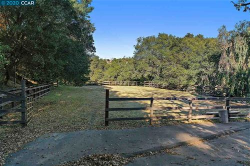 Photo of 4142 Canyon Road, LAFAYETTE, CA 94549 (MLS # 40931410)