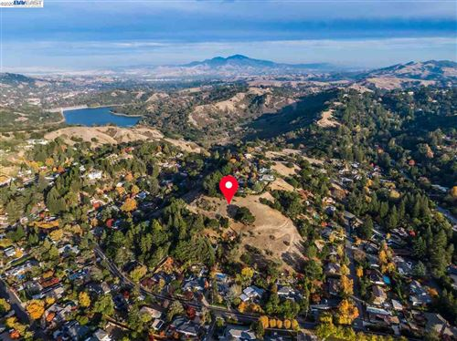 Photo of Park Lane Dr, ORINDA, CA 94563 (MLS # 40930411)
