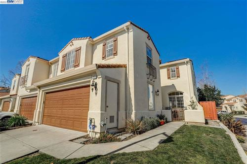 Photo of 7318 Longmont Loop, CASTRO VALLEY, CA 94552 (MLS # 40940414)