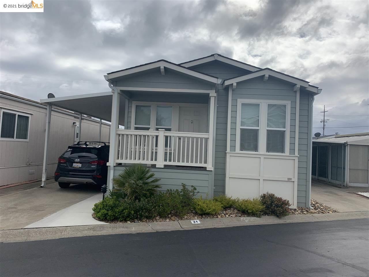 Photo of 24 Otsego  St, OAKLEY, CA 94561 (MLS # 40941414)
