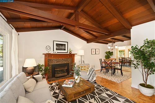 Photo of 2830 Creston Rd, Walnut Creek, CA 94597 (MLS # 40969415)