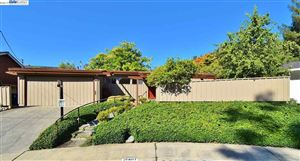 Photo of 21407 Tanglewood Dr, CASTRO VALLEY, CA 94546 (MLS # 40885418)