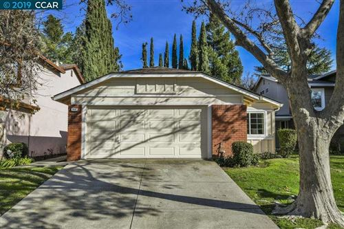 Photo of 954 Express Court, CONCORD, CA 94518 (MLS # 40891418)