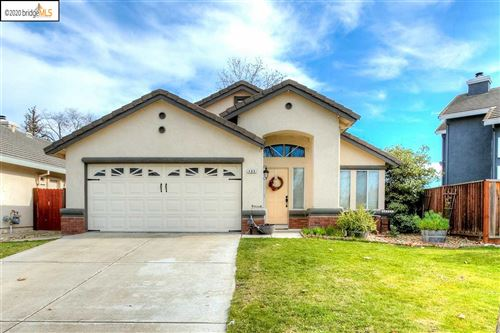 Photo of 406 Apple Hill Dr, BRENTWOOD, CA 94513 (MLS # 40893418)
