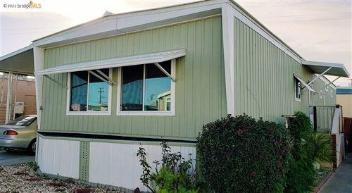 Photo of 66 Oneida St, OAKLEY, CA 94561 (MLS # 40938419)