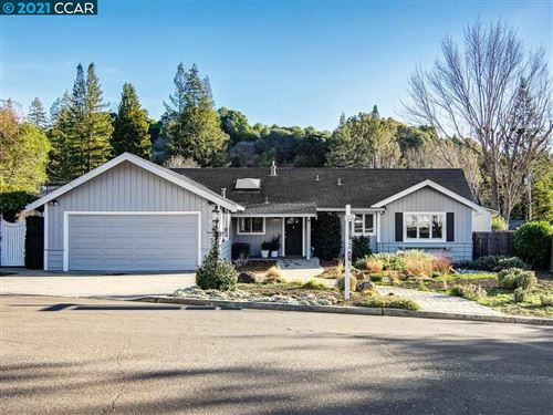 Photo of 10 Gloria Court, MORAGA, CA 94556 (MLS # 40934420)