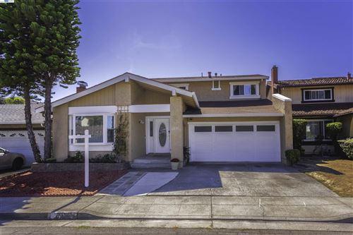 Photo of 1231 Greenway Dr, RICHMOND, CA 94803 (MLS # 40968423)