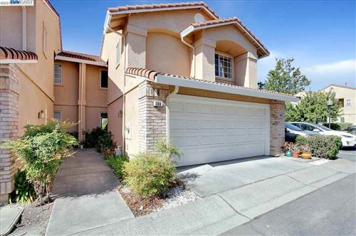 Photo of 300 Camino Arroyo, DANVILLE, CA 94506 (MLS # 40947424)