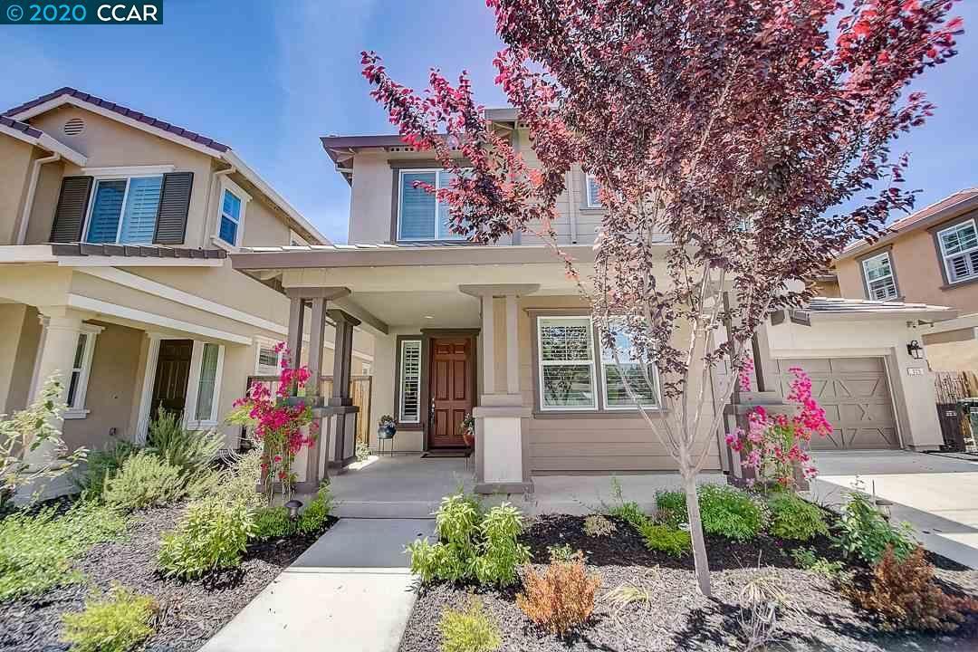 Photo of 925 Autumn Brook Pl, CONCORD, CA 94518 (MLS # 40906424)