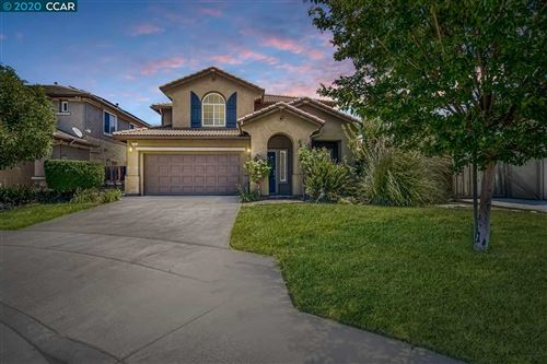 Photo of 115 Montevino Ct, OAKLEY, CA 94561 (MLS # 40910426)