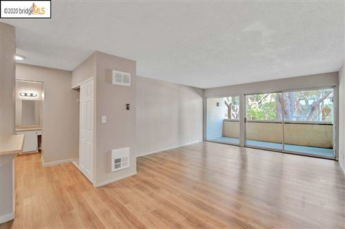 Photo of 965 Shorepoint Ct #100, ALAMEDA, CA 94501 (MLS # 40923426)
