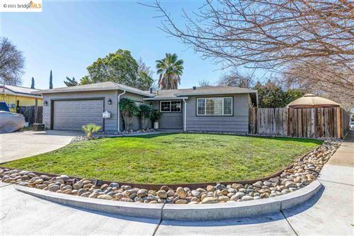 Photo of 5002 Claycord Ct., CONCORD, CA 94521-2226 (MLS # 40939428)