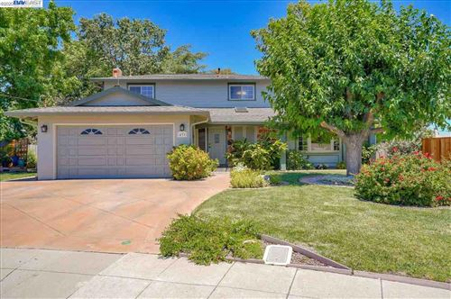 Photo of 433 Wall Ct, LIVERMORE, CA 94550 (MLS # 40911429)