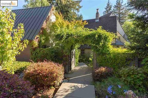 Photo of 221 Sandringham Road, PIEDMONT, CA 94611 (MLS # 40907430)