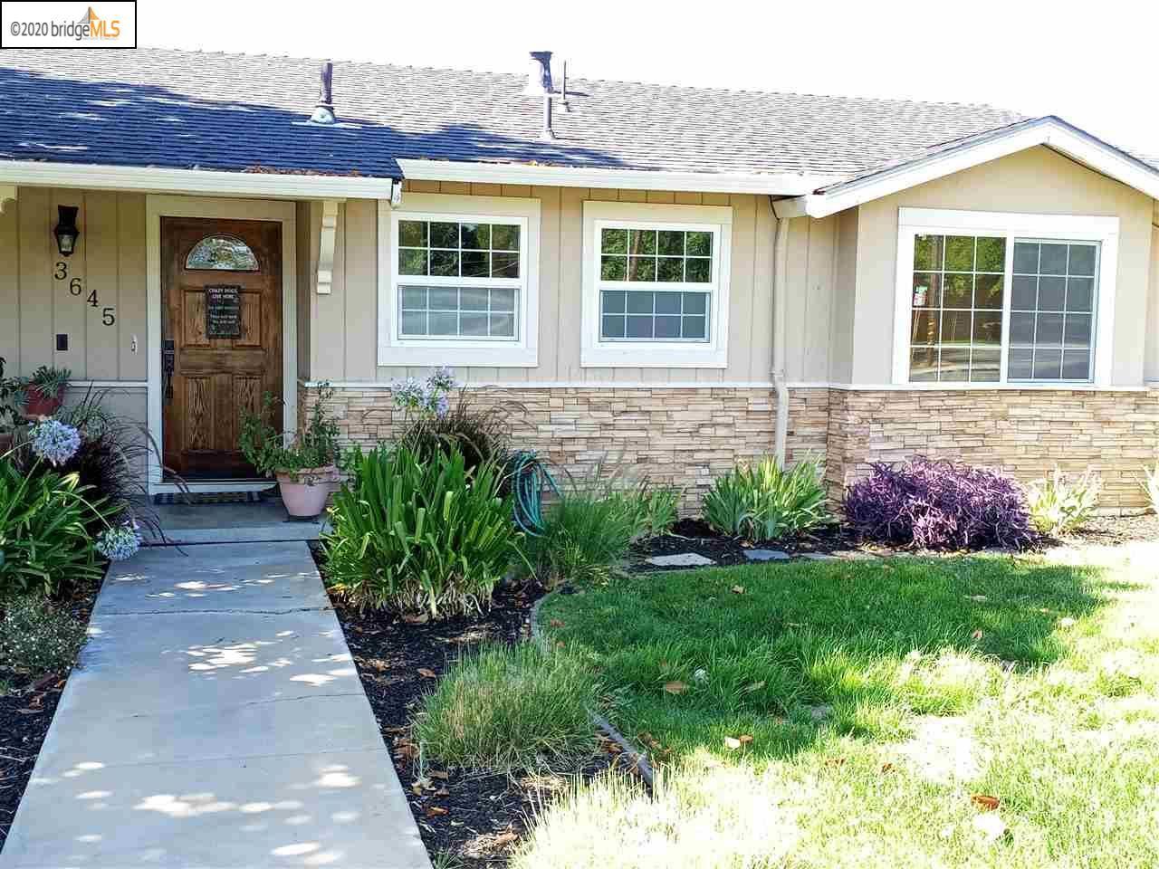 Photo for 3645 Concord Blvd, CONCORD, CA 94519 (MLS # 40912431)