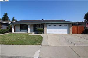 Photo of 6241 Robin Ct, PLEASANTON, CA 94588 (MLS # 40844433)