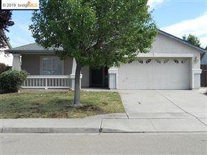 Photo of 1236 Walnut Meadows Dr, OAKLEY, CA 94561 (MLS # 40882433)