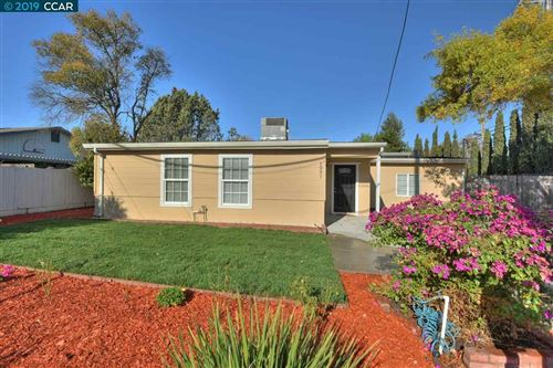 Photo of 1991 Mayette Ave, CONCORD, CA 94520 (MLS # 40889439)