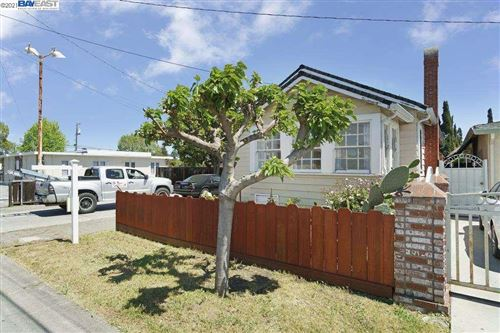 Photo of 786 5Th Ave, REDWOOD CITY, CA 94063 (MLS # 40948439)