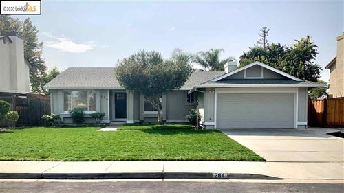 Photo of 284 Madrone Pl, BRENTWOOD, CA 94513 (MLS # 40921440)