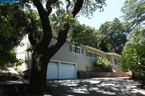 Photo of 31 Oak Drive, ORINDA, CA 94563 (MLS # 40871442)