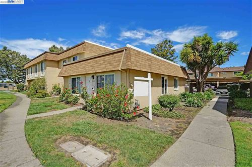 Photo of 27819 Hummingbird Ct, HAYWARD, CA 94545 (MLS # 40911443)