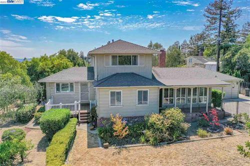 Photo of 4715 Ewing Rd, CASTRO VALLEY, CA 94546 (MLS # 40961444)