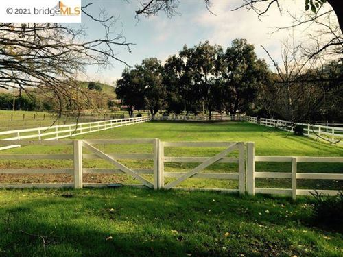 Photo of 1610 LAWRENCE RD, DANVILLE, CA 94506-4701 (MLS # 40963448)