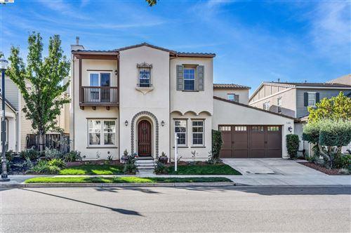 Photo of 5250 Pembroke Way, San Ramon, CA 94582 (MLS # 40970449)