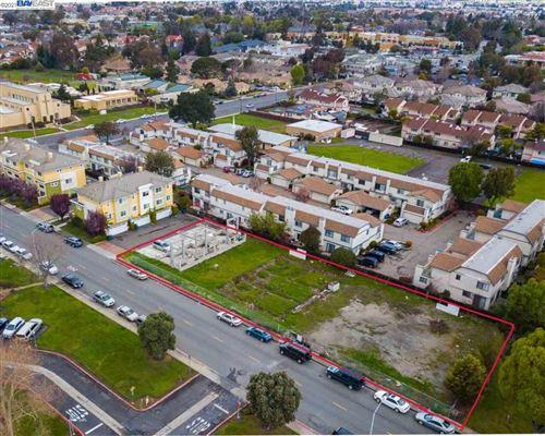 Photo of 4312 Dyer St, UNION CITY, CA 94587 (MLS # 40941450)
