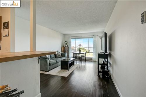 Photo of 4 Commodore Dr #D522, EMERYVILLE, CA 94608 (MLS # 40905453)