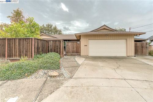 Photo of 3070 Cromwell Pl, HAYWARD, CA 94542 (MLS # 40890454)