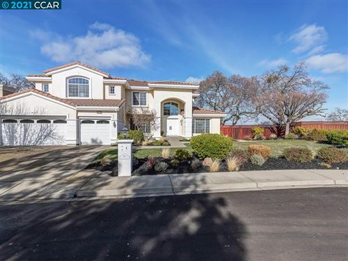 Photo of 1014 Sunrise Ridge Dr, LAFAYETTE, CA 94549 (MLS # 40934454)