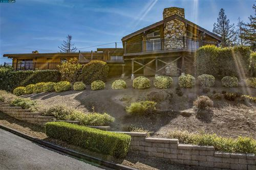 Photo of 1102 Northridge Court, Concord, CA 94518 (MLS # 40971454)