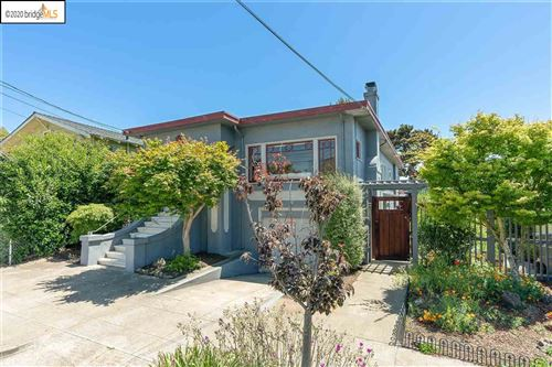 Photo of 809 46Th St, OAKLAND, CA 94608 (MLS # 40906455)