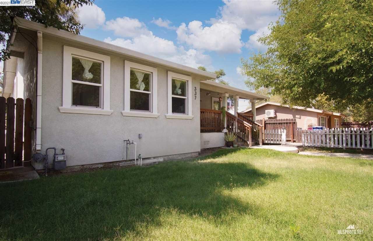 Photo of 337 Peach Tree Ct, BRENTWOOD, CA 94513 (MLS # 40961456)