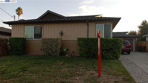 Photo of 1426 Roosevelt Ave, HAYWARD, CA 94544 (MLS # 40889458)