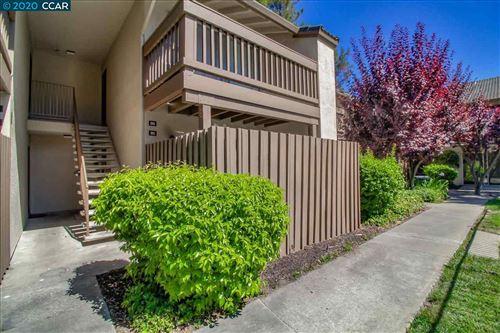 Photo of 2734 Oak Rd #95, WALNUT CREEK, CA 94597 (MLS # 40911458)