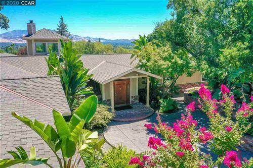 Photo of 301 Macgregor Rd, PLEASANT HILL, CA 94523 (MLS # 40915461)