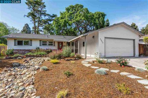 Photo of 2965 Frayne Lane, CONCORD, CA 94518 (MLS # 40945461)