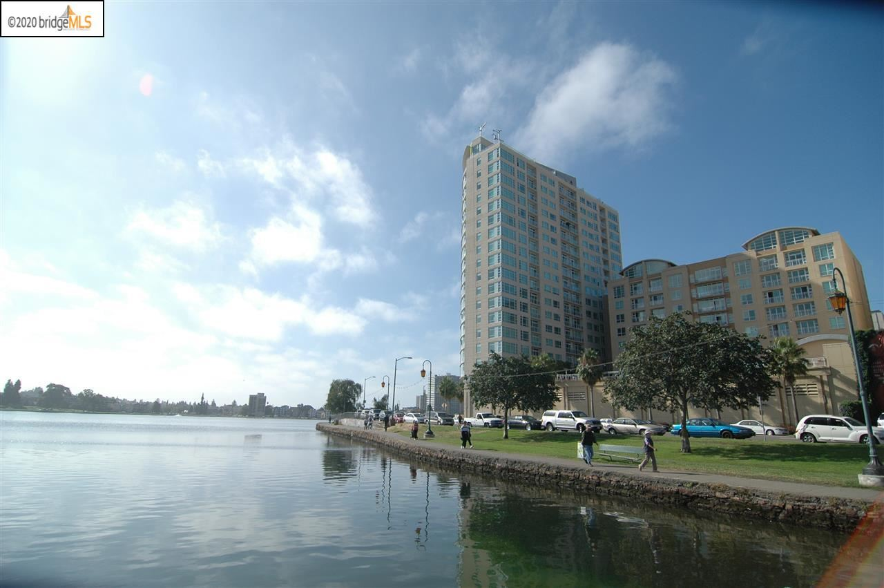 Photo for 1 Lakeside Dr #1607, OAKLAND, CA 94612 (MLS # 40895461)